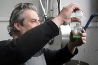 <p>Quality control of the olive oil.</p>
